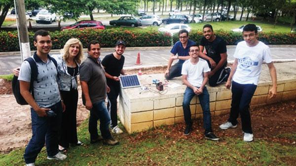 Alunos e professores envolvidos nos projetos do Smart Campus Facen
